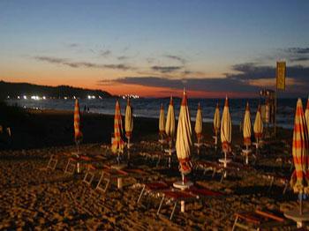 spiaggia tramonto vieste